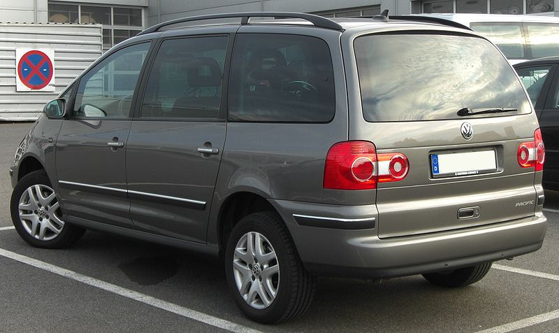 800px-VW_Sharan_Pacific_%282004%29_rear.