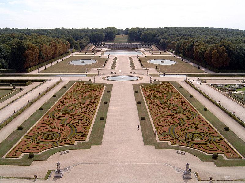 Fichier:Vaux-le-Vicomte Garten.jpg