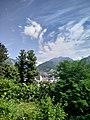 Vista dalla scalinata del entrata di via Sant' Michele del Parco del Monte Barro.jpg
