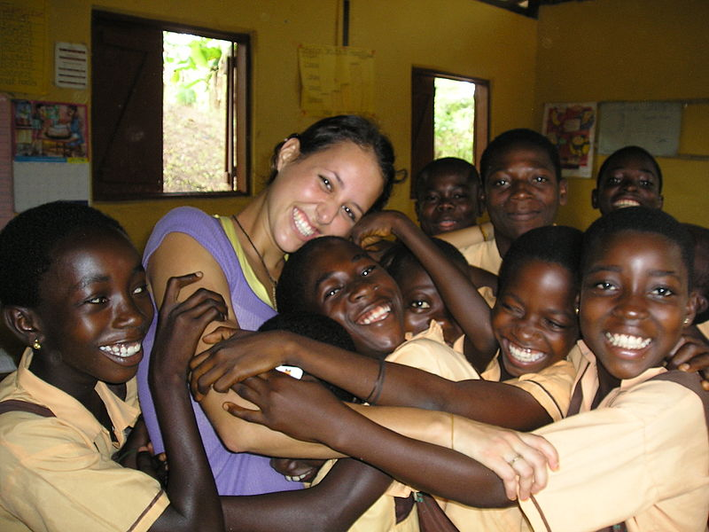 File:Volunteer in Ghana.jpg