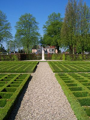 Putten raid - Lady of Putten in the memorial garden (Vrouwtje van Putten Herdenkingshof)