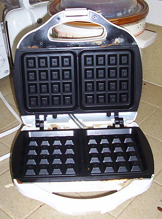 Waffle iron - A North American Belgian-style waffle iron