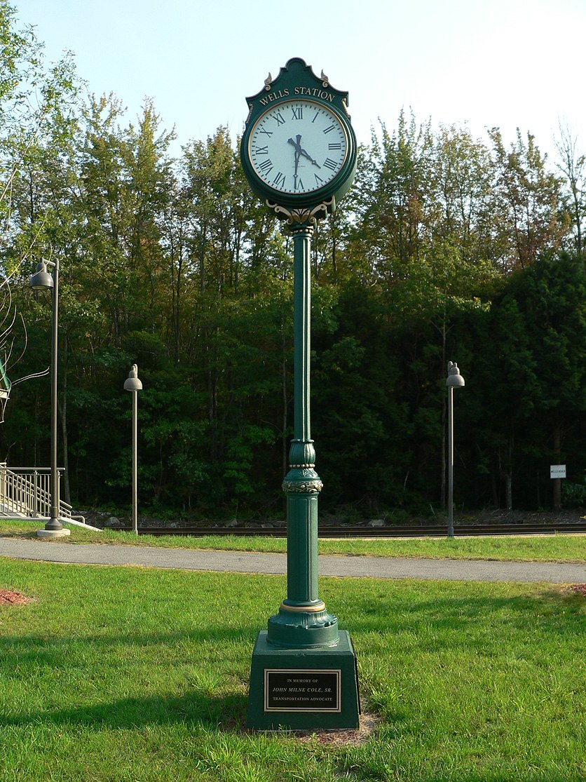 Wells maine transportation center memorial clock 2006