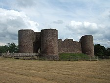 White Castle, inner ward gatehouse and curtain wall.JPG
