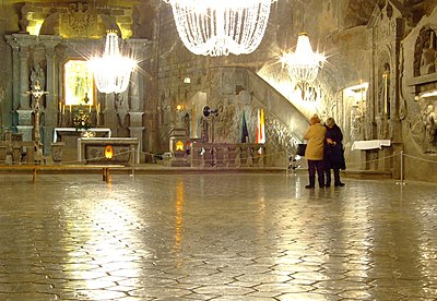 Wieliczka, Solné doly, Kaple svaté Kingy, výzdoba.JPG