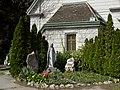 Wien-Simmering - Zentralfriedhof - Priesterbegräbnisstätte hinter der Heilandskirche.jpg
