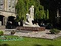 Wroclaw-pomnikLwowskichProfesorow.jpg