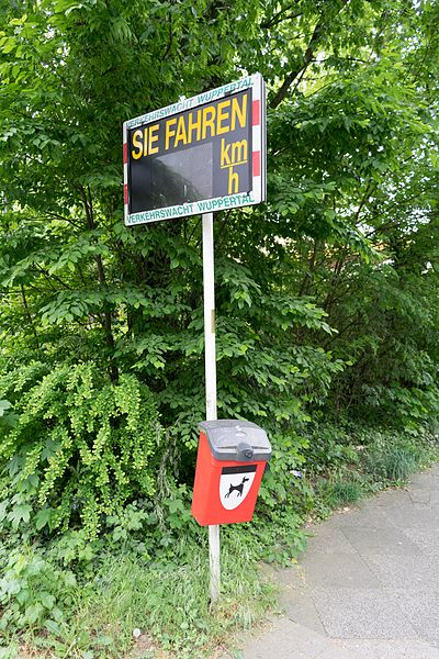 File:Wuppertal Arrenberger Straße 2016 128.jpg