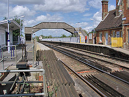 Wye railway station in 2009.jpg