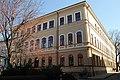 Základná škola na Námestí Kubínyiho, pohľad od Reduty.JPG