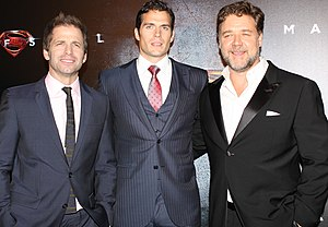 Man of Steel (film) - Image: Zack Snyder, Henry Cavill, Russell Crowe (3)