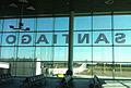 Zona de embarque aeropuerto de Santiago.jpg