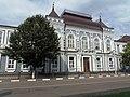 Бывшая женская гимназия Павловска.JPG