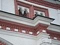 Гирьки на Передних воротах в Коломенском.jpg