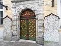 Портал и дверь Дома Черноголовых в Таллине.JPG