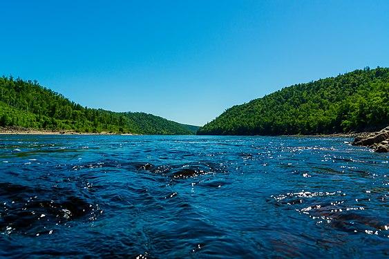 Талаканский створ на реке Бурее.jpg