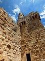 חומת העיר העתיקה ומגדל דוד בראש החומה.JPG