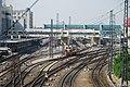 霁虹桥上看哈站 - panoramio.jpg