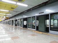동춘역 스크린도어 설치 중 2014-05-25 17-45.jpg