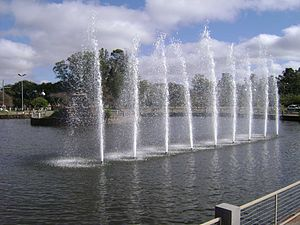 Chafariz do lago artificial do Parque dos Patinhos