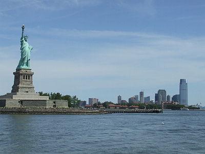 b4ec3a61f3f Özgürlük Heykeli ve Jersey City.