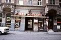 082R13000881 Schottenfeldgasse, Bereich Kirche Neulerchenfeld, Gebäude DIE CHANCE (Altwarenverkauf).jpg