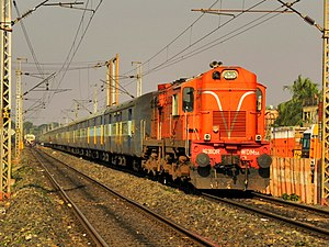Indian locomotive class WDM-3A - Image: 12905 (Porbander Howrah) Aradhana Express