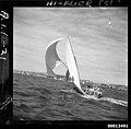 18-footer HY-FLYER on Sydney Harbour (8797408723).jpg