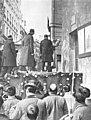 1910-04-07, Actualidades, Alfonso XIII en el momento de dar el primer piquetazo en la rectoral de San José inaugurando los derribos de la Gran Vía, Alba (cropped).jpg