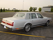 rear view 1986 lincoln town car