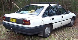 1989 Holden Commodore (VN) Executive sedan (2007-04-29).jpg