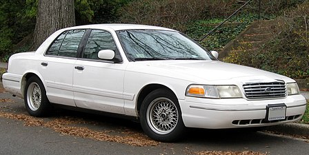 1998 2002 Ford Crown Victoria Lx