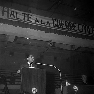 Pierre Mendès France - Mendès France, against the Algerian War during a PSU meeting in January 1962.