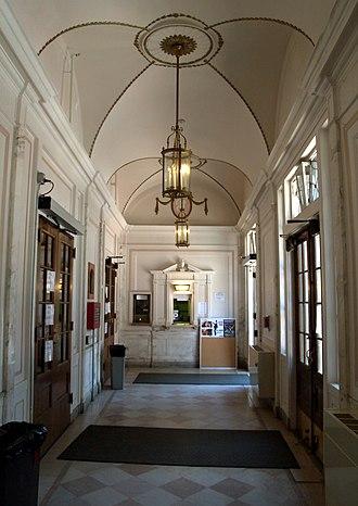 Wilbur Theatre - Image: 2009 Wilbur Theatre Boston 3594468105