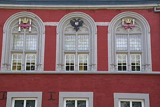 Museum aan het Vrijthof - Late Gothic windows with emblems of Charles V