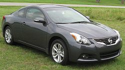 2010 Nissan Altima 2.5SL coupe 2 -- 06-05-2010.jpg