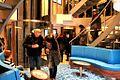 2015 12 11 Helgoland Jugffahrt Atrium mit Fahrstuhl IMG 5423 K.JPG