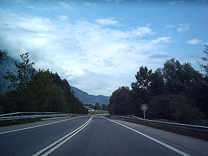 English: A8 Autostrasse Switzerland. DF08 2004...