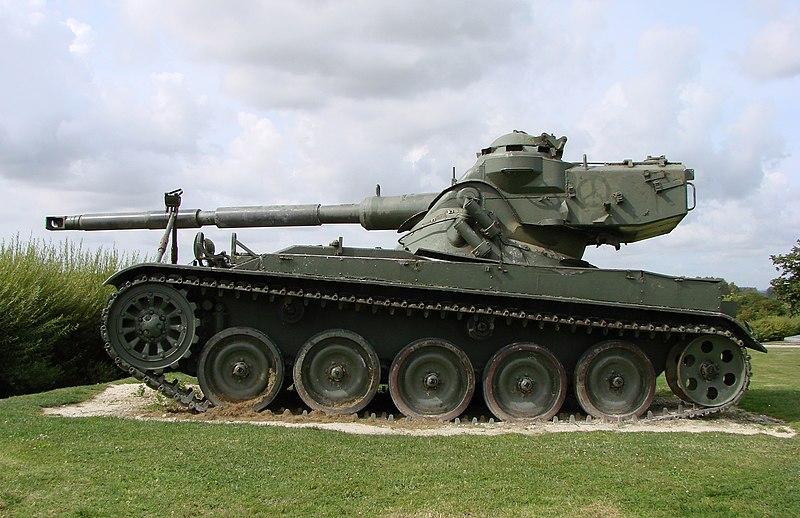 Archivo:AMX-13 150808 02.jpg