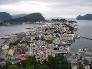 European route E136 - Image: Aalesund from Fjellstua