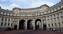 Admiralty Arch in London.JPG