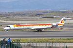 Air Nostrum, Canadair CL-600-2D24 Regional Jet CRJ-900ER, EC-JTT - MAD (22305256058).jpg