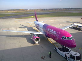 Airbus A320 Wizz Air in Katowice Airport.jpg