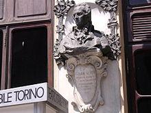 Busto dedicato a Vittorio Alfieri a Torino, in Piazza Carignano