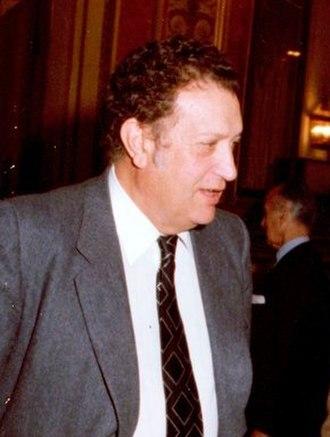 Spanish Ombudsman - Image: Alfonso Guerra conversa con el ex presidente del Congreso de los Diputados, Fernando Álvarez de Miranda (cropped)