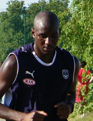 Alou Diarra - Diarra during a training session with Bordeaux.