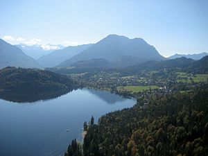 Salzkammergut - View of the Lake Altaussee and Altaussee, in the background the Hoher Dachstein