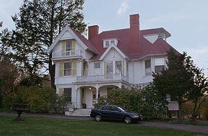 National Register of Historic Places listings in Newton, Massachusetts - Image: Amos Adams House, Newton, Massachusetts