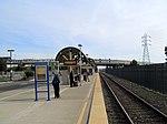 Amtrak platform at Oakland Coliseum station, November 2017.JPG