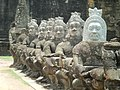 Angkor Thom gate - panoramio.jpg